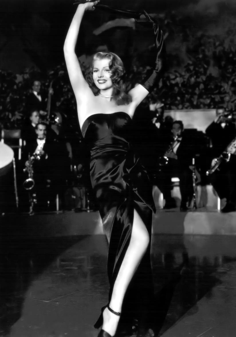Rita Hayworth in una scena di Gilda