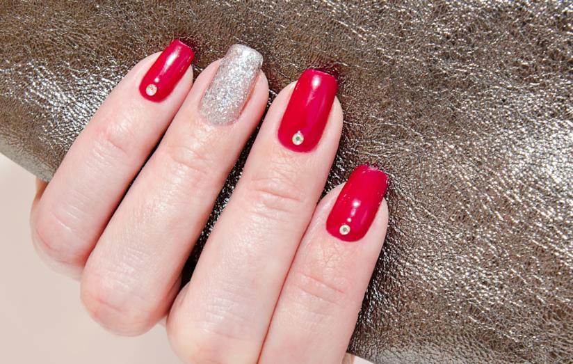 Nail art silver e rosso