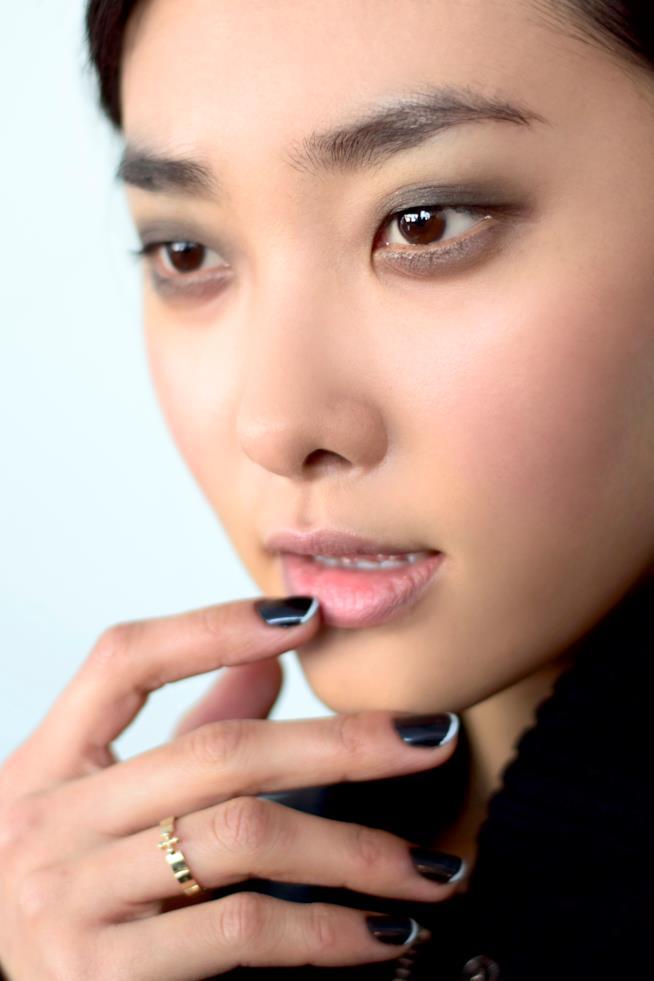 French manicure blu