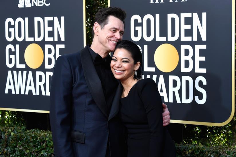Jim Carrey e Ginger Gonzaga sul red carpet dei Golden Globe Awards