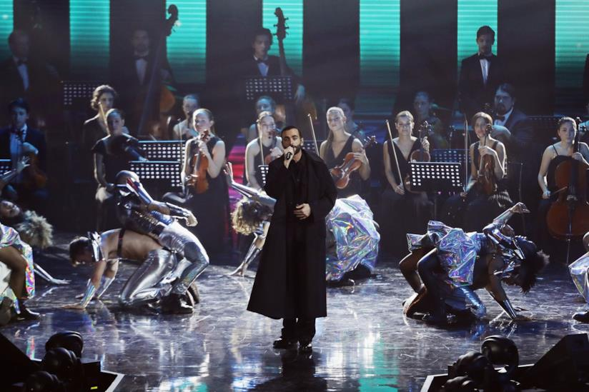 Il nuovo singolo di Marco Mengoni guadagna la Top Ten delle radio italiane