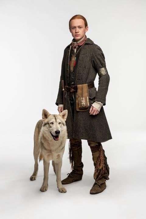 Ian con il nuovo cane-lupo Rollo