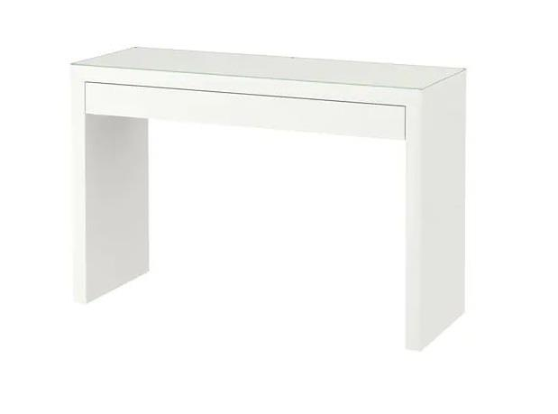 Tavolo bianco ingresso