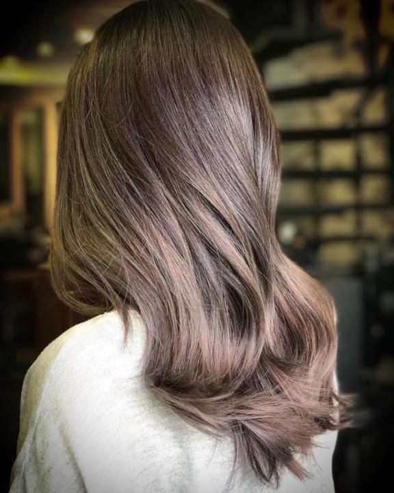 Colori capelli 2018  il grigio d936eaf97cb7