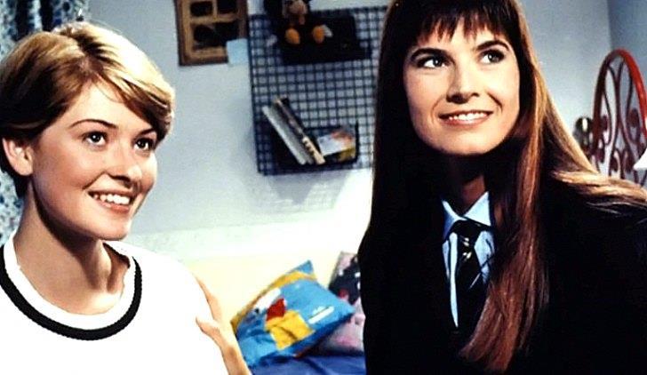 Arianna e Vally, due delle protagoniste di College, serie TV di culto degli anni 90