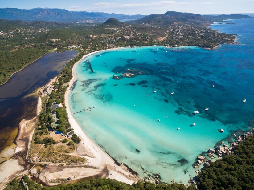 La spiaggia di Santa Giulia vista dall'alto