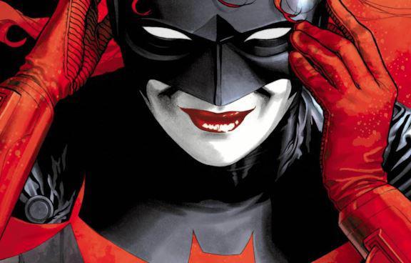 Batwoman in primo piano