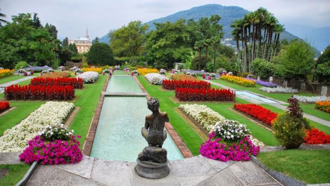 10 mete top per progettare una vacanza per il ponte del 25 Aprile: Verbania labirinto dei tulipani