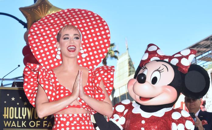 Katy Perry e Minnie Mouse sulla Walk of Fame