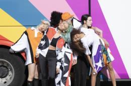 Modelle in posa per la campagna 2019 Converse