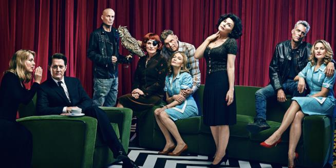 Il cast di Twin Peaks (foto Entertainment Weekly)