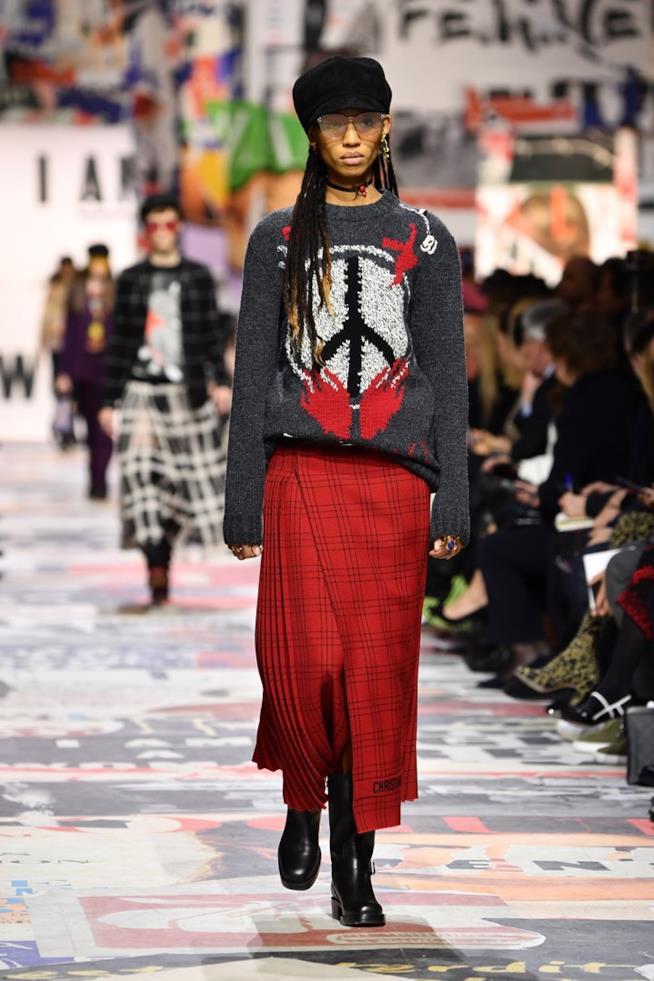 Maglione pace nelle sfilate Dior