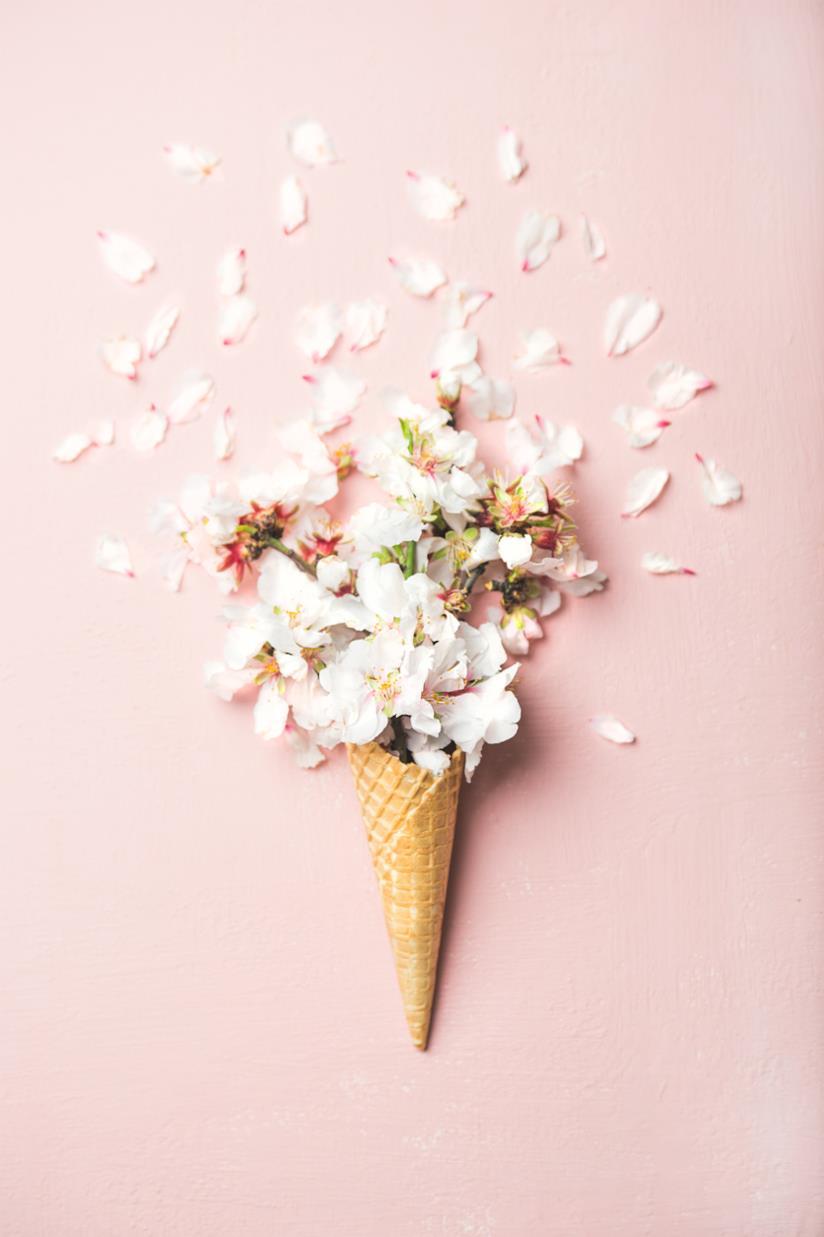 Bouquet sposa di giugno in un cono gelato