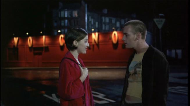 Una scena di Trainspotting film di Danny Boyle