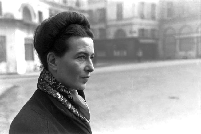 La scrittrice Simone de Beauvoir