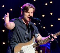 Chris Carmack in concerto col cast di Nashville