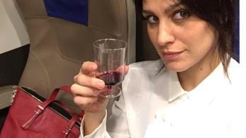 Giulia Bevilacqua in treno
