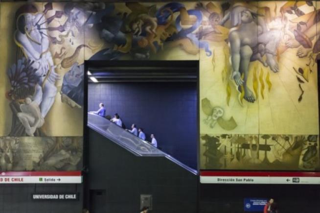 Stazione Universidad Santiago del Cile murales