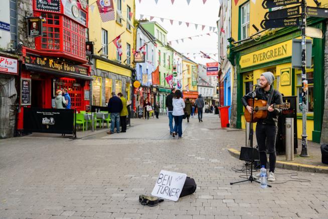 Un colorato incrocio nel cuore di Galway