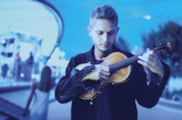 Federico Micozzi, direttore d'orchestra a Sanremo
