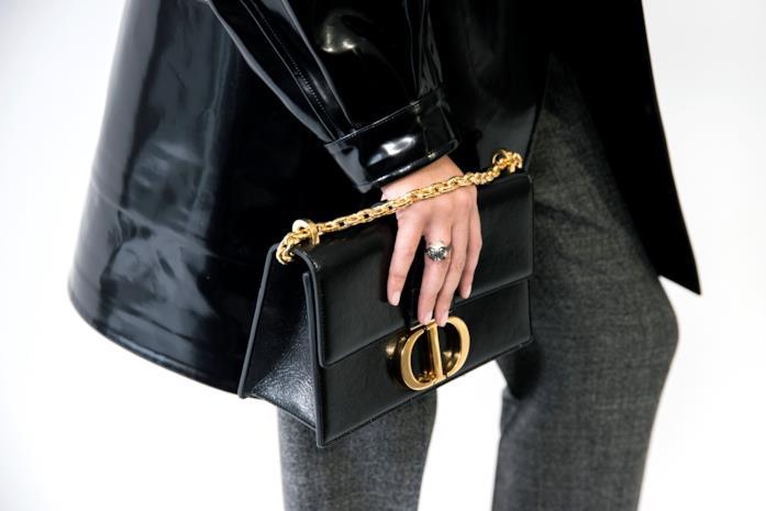 La borsa 30 Montaigne durante la sfilata Dior