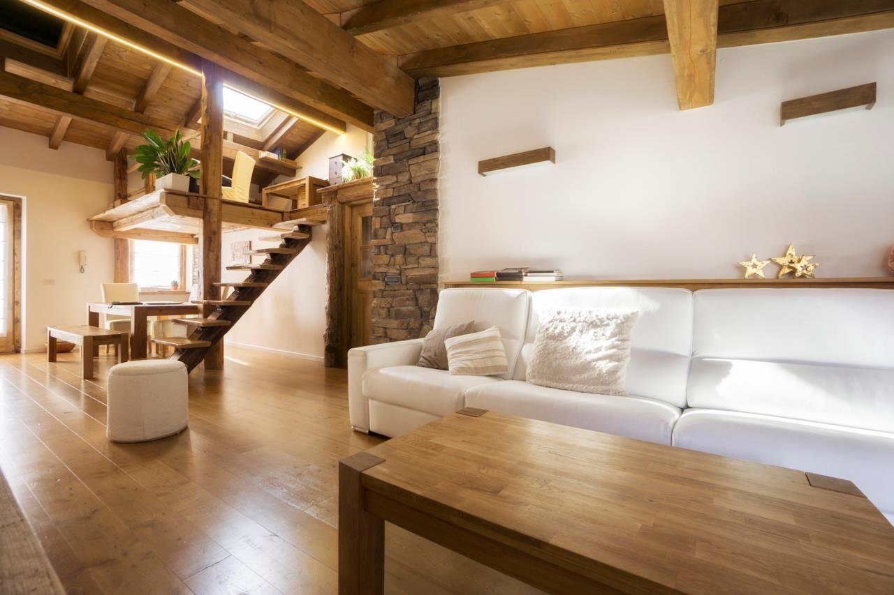 Tante idee belle e di tendenza per arredare una casa in for Idee per ristrutturare casa