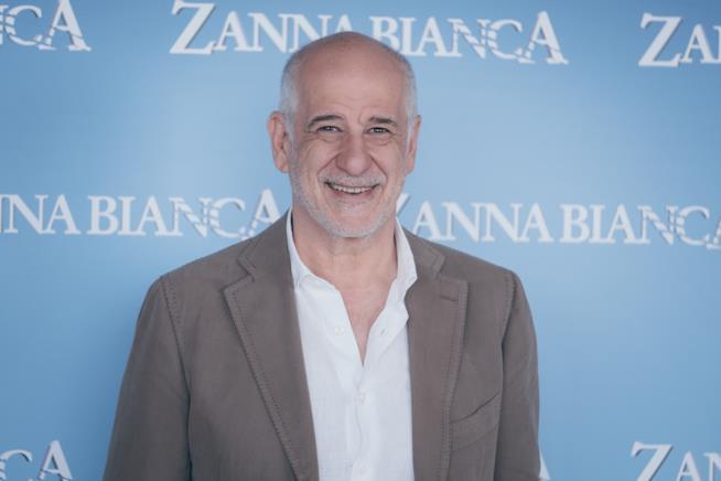 Toni Servillo al photocall di Zanna Bianca