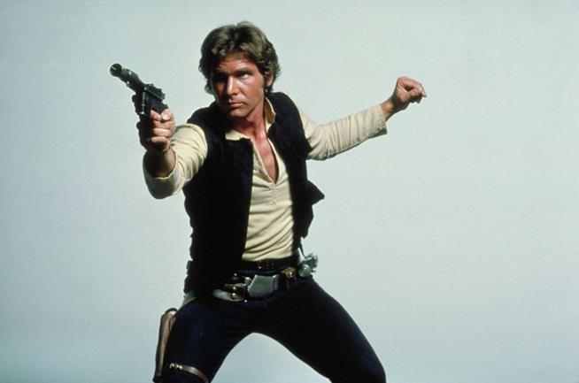 Harrison Ford è Han Solo in Guerre Stellari: Una nuova speranza