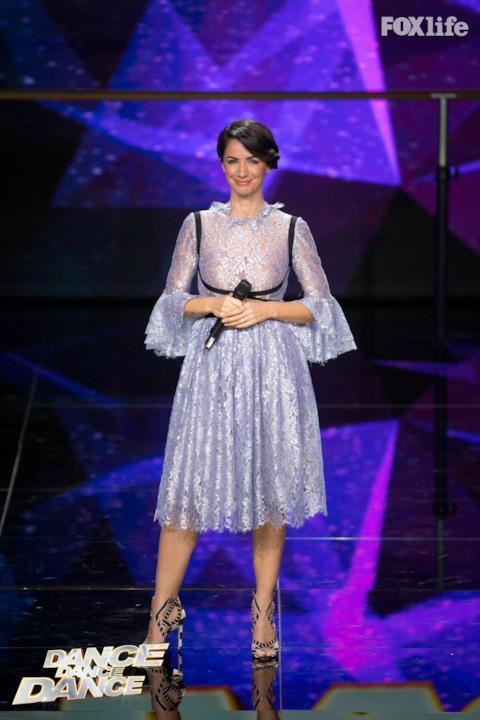 Gli outfit di Andrea Delogu a Dance Dance Dance 2