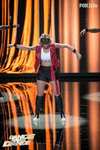 Valentina, prima esibizione a Dance Dance Dance 2