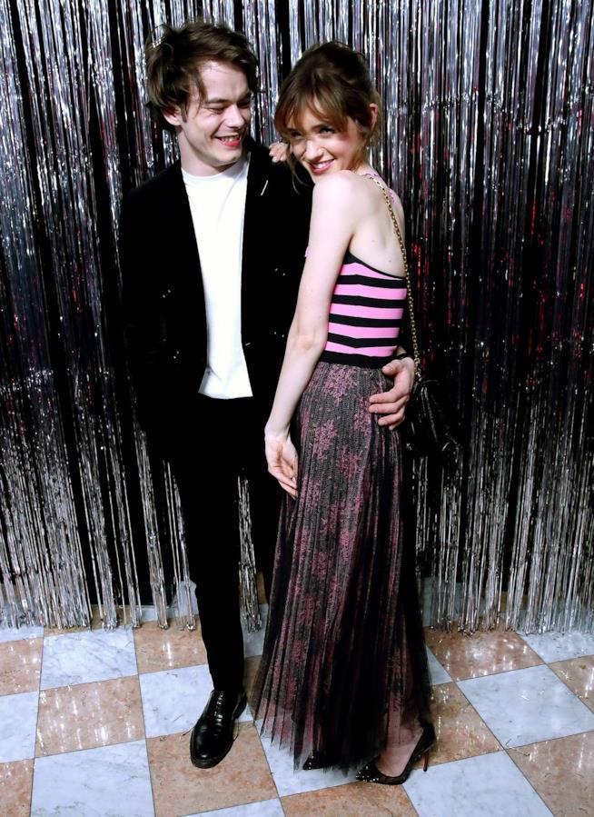 Charlie Heaton e Natalia Dyer di Stranger Things