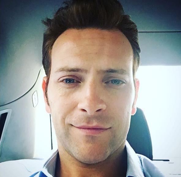 Alessandro Borghi selfie