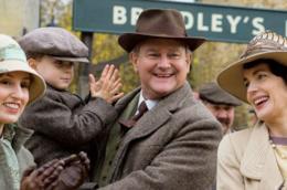 La famiglia Crawley alla stazione sorridente
