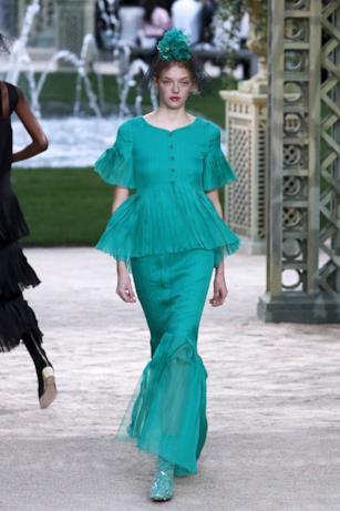Abito verde smeraldo per Chanel Haute Couture 2018
