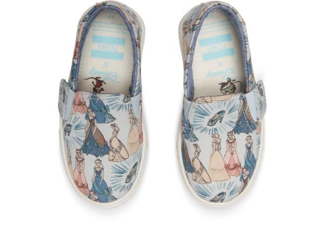 Uno dei modelli kids della capsule Disney x TOMS Cinderella