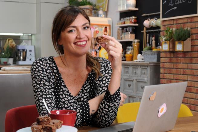 Chiara Maci durante l'aggiornamento di ricette.foxlife.it