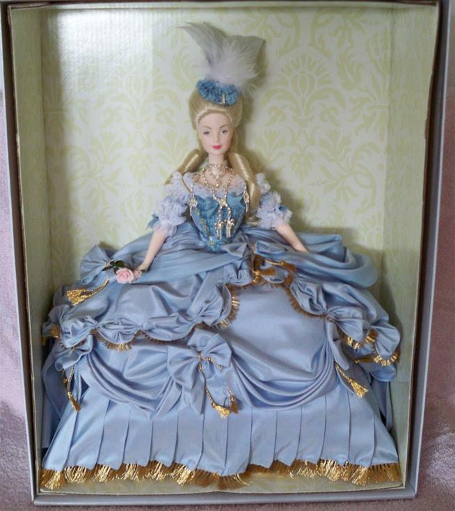 Barbie Marie Antoinette nella scatola