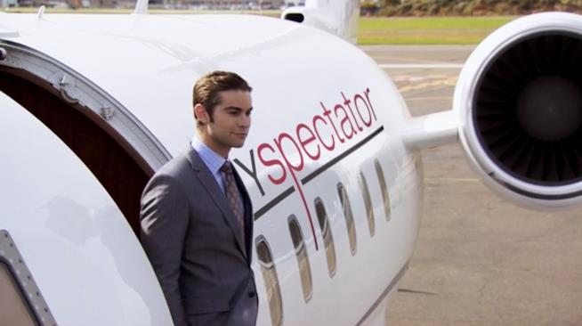 Nate scende dal jet privato dello Spectator