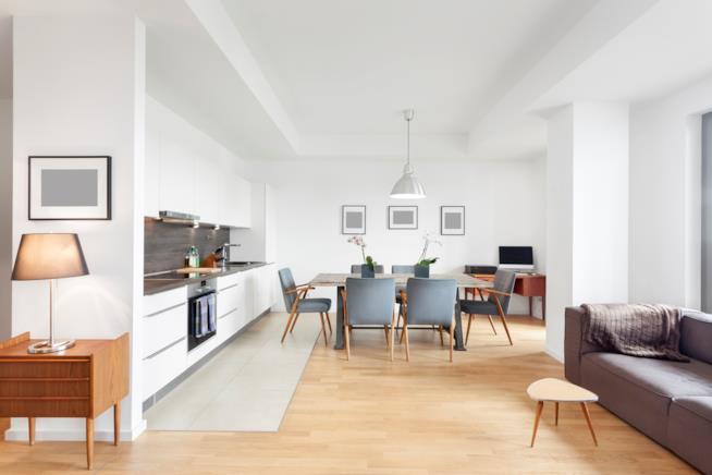 Soluzioni per progettare un perfetto angolo cottura in soggiorno