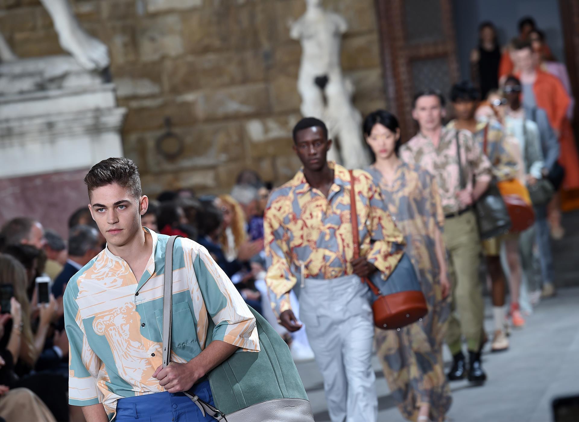 Salvatore Ferragamo sfila a Firenze a Pitti Uomo 2019