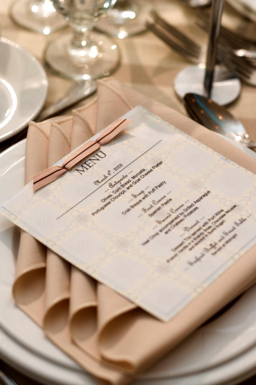 Menù al tavolo di nozze