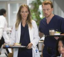 Owen e Teddy in una scena di Grey's Anatomy