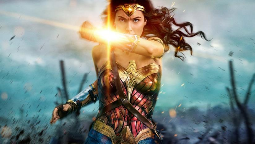 Gal Gadot nel poster di Wonder Woman