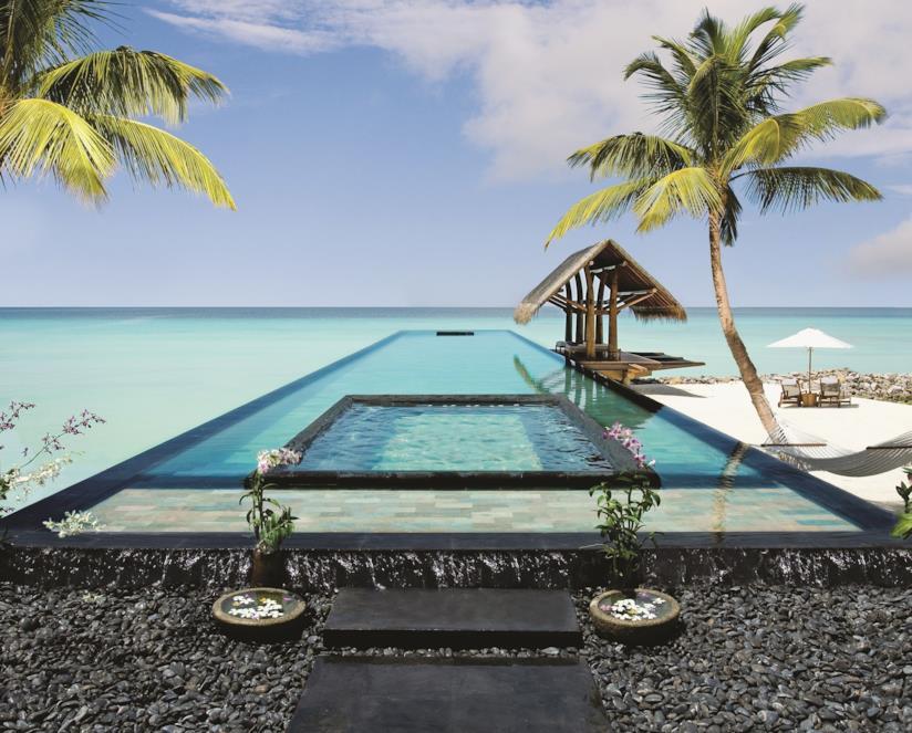 Piscina sull'oceano all'Hotel One & Only Reethi Rah