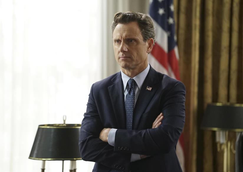 Tony Goldwyn (Fitz Grant) in una scena di Scandal