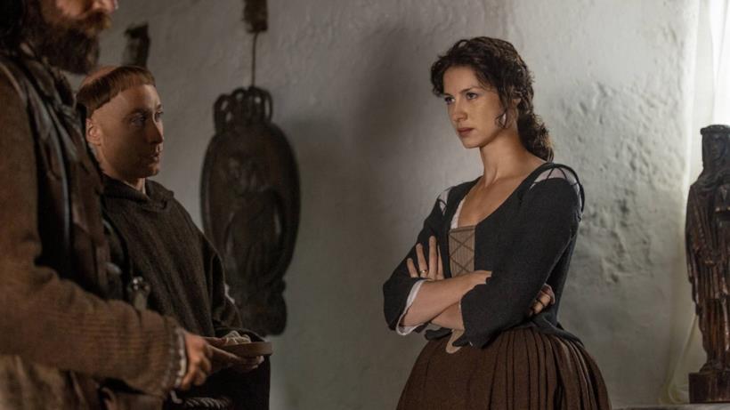 Claire, protagonista di Outlander in uno scatto della seconda stagione