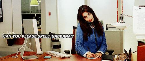 Anne Hathaway chiede come si scrive gabbana