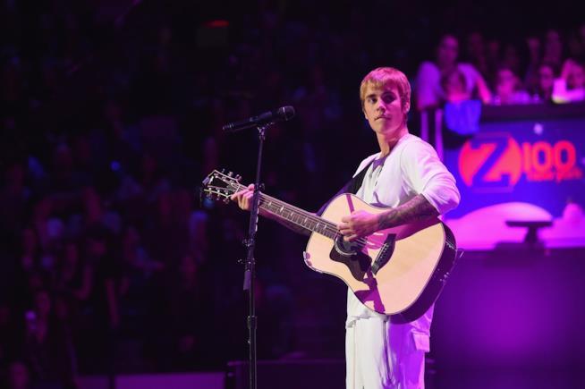 Justin Bieber investe paparazzo: nuovi guai per il cantante