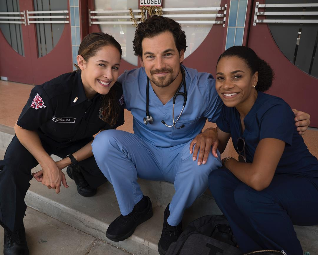 Una foto dal crossover con Andy, Andrew e Maggie