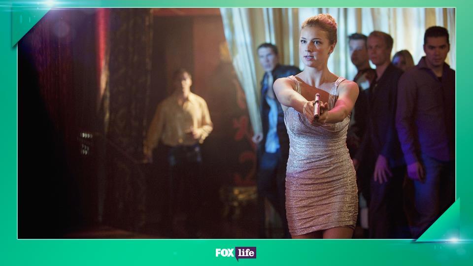 """L'episodio 2x08 """"Eredità"""" è stato il primo a non avere come voce narrante quella di Emily"""